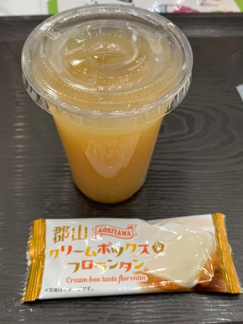 100%桃ジュース