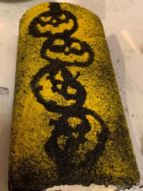 パンプキンクリームのロールケーキ