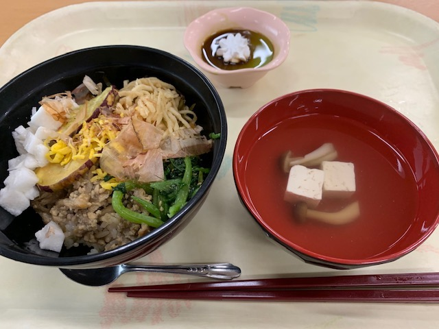 木の子と鶏そぼろの味わい混ぜご飯セット