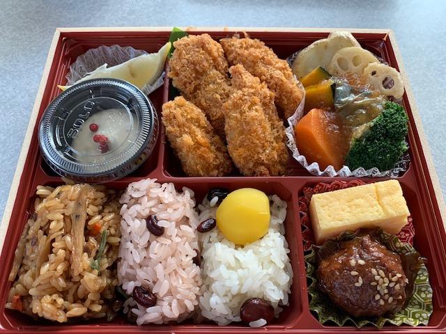 広島県産カキフライのよくばり弁当