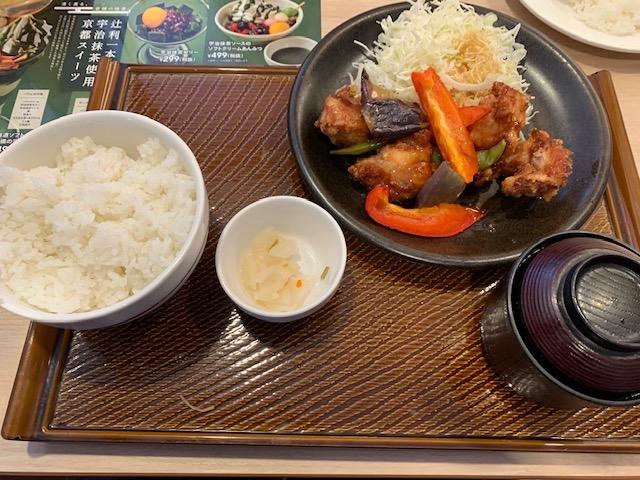 若鶏と彩り野菜の黒酢あんランチ