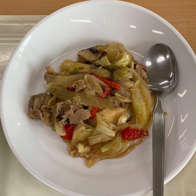 牛肉と椎茸と野菜炒め
