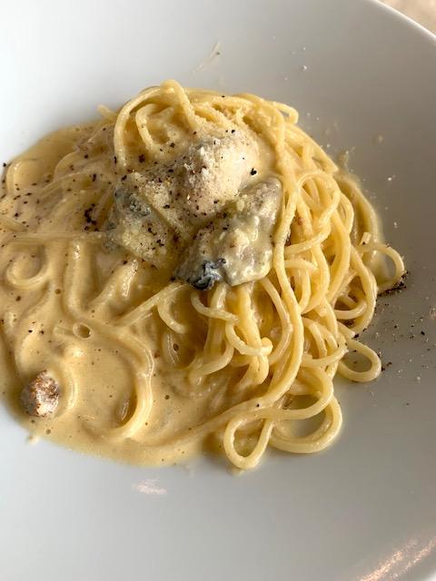 牡蠣とウニの濃厚カルボナーラ